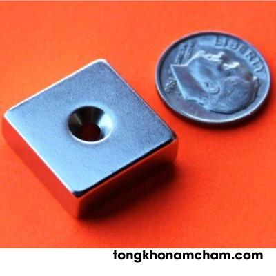 Nam châm đất hiếm 35x35x15 lỗ 10mm